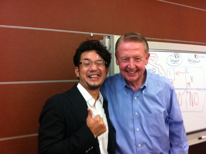 山本琢磨とライスクルーガー氏のツーショット写真