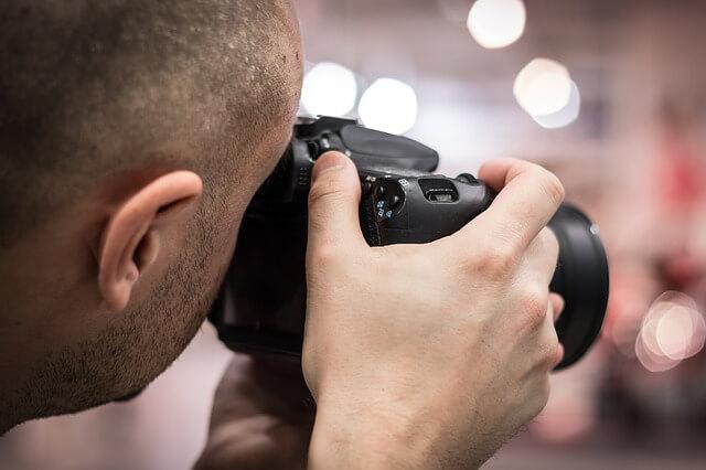 なぜ素人の写真がプロの20倍で売れるのか?